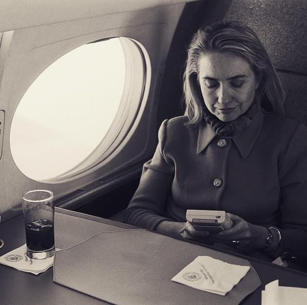 hillary-Clinto-game-boy
